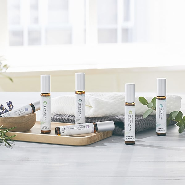 手軽に楽しめる100%植物由来の心地よい香りで、良い睡眠のために大切な「昼と夜のメリハリ」を24時間サポートします。
