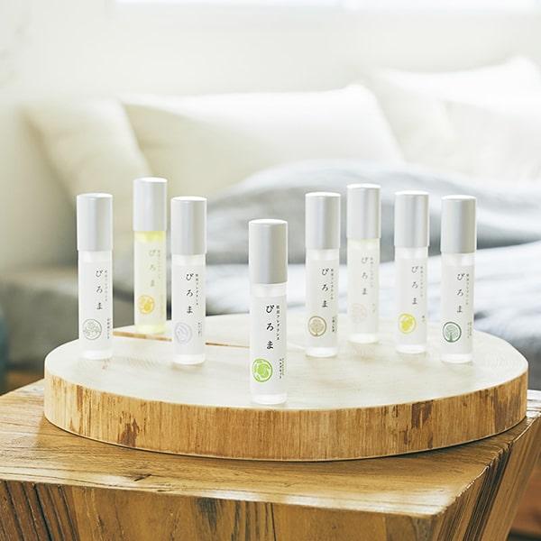 ぴろま枕用フレグランスは、枕にスプレーするだけで心地よいアロマの香りを手軽に楽しめる100%植物由来のピローミストです。