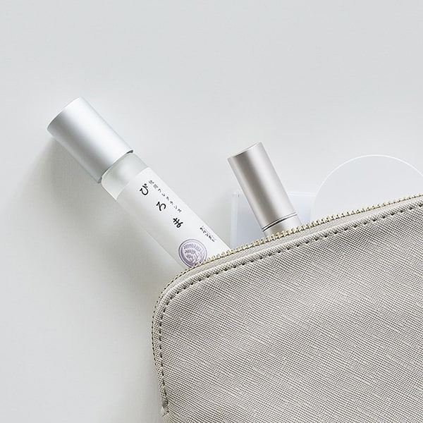コンパクトサイズで携帯性にも優れるから、旅行先や出張先でも心地よいアロマの香りを手軽にお楽しみいただけます。